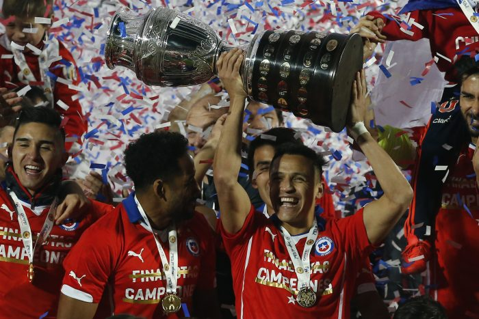 Conmebol evaluará cambiar sede de la Copa América 2021 a Chile por pandemia en Argentina y crisis social en Colombia
