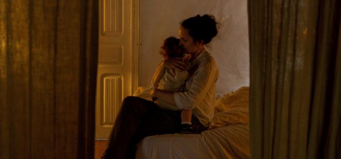 """Maternidad: """"Siempre hay una carga contra de la mamá, es como si nadie más pudiese cuidar a esta niña o niño si no es la madre"""""""