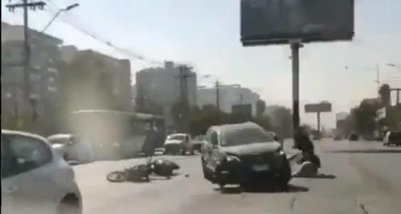 Conductor atropella a motorista frente a comisaría de San Miguel: incluyó amenazas de muerte