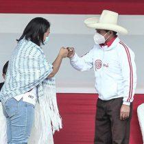 Sondeo muestra caída del candidato favorito Castillo y subida de Fujimori