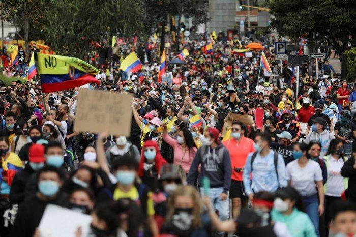 Disturbios en municipio colombiano de Yumbo dejan dos muertos y 48 heridos