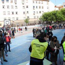 Participación histórica en plena pandemia y el gesto de Pablo Iglesias: las lecciones que analistas chilenos sacan de los comicios de Madrid