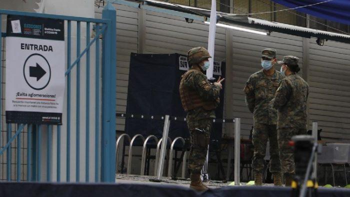Detienen a conscripto del Ejército por fumar marihuana al interior de local de votación en Ovalle: pasará a control de detención
