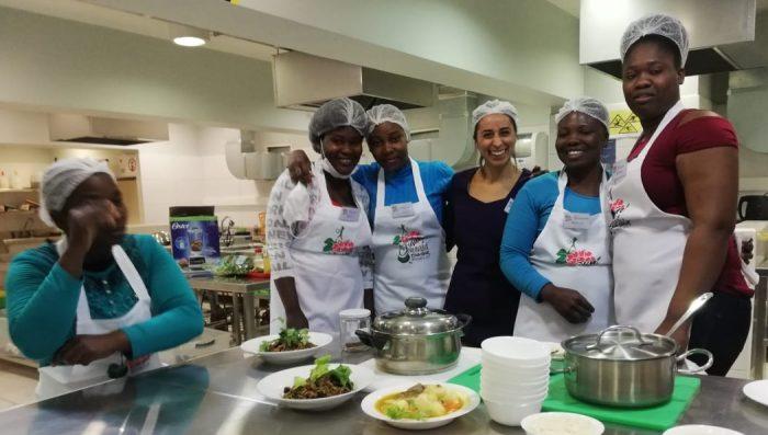 Equipo integrado por comunidades migrantes y académicos U. de Chile lanza recetario chileno-haitiano