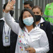 Elecciones en Perú: Keiko Fujimori logra una ventaja inicial sobre Pedro Castillo, según los primeros resultados oficiales