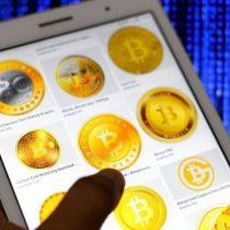 """Bitcoin: qué es la """"cruz de la muerte"""" y por qué asusta a los que invierten en la criptomoneda"""