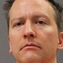 Derek Chauvin, expolicía que asesinó a George Floyd, es condenado a 22 años y medio de cárcel