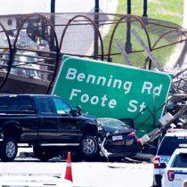 Puente peatonal en Washington se derrumbó tras accidente vehicular dejando seis personas heridas