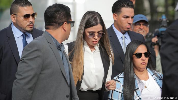Esposa del Chapo Guzmán se declara culpable de narcotráfico