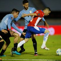 Uruguay y Paraguay empatan con polémica por gol anulado