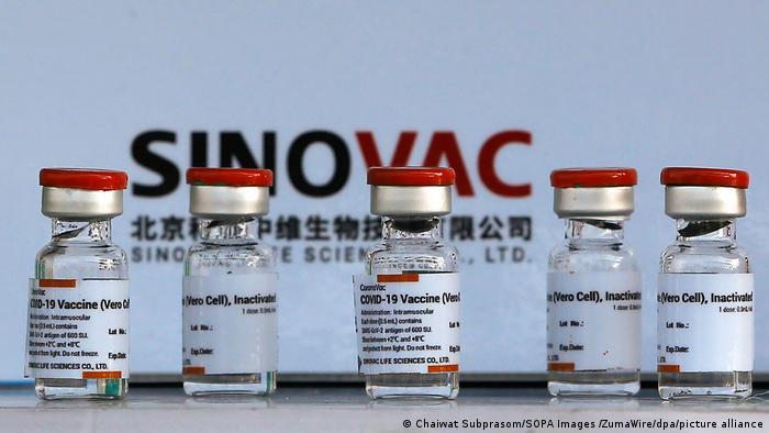 Sinovac anuncia que China autoriza el uso de urgencia de su vacuna en menores