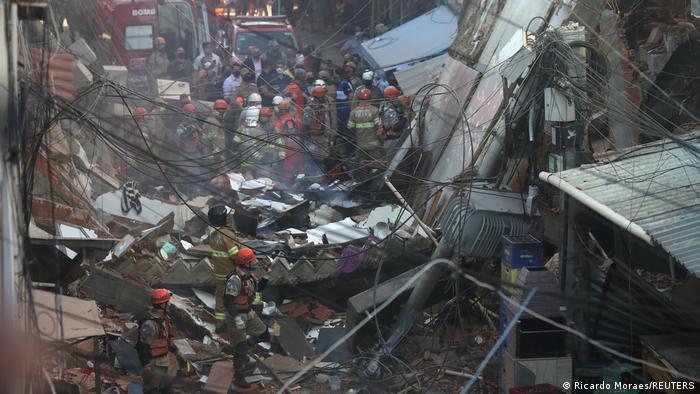 Dos muertos tras derrumbe de un edificio en favela de Río de Janeiro