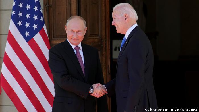 Cita cumbre en Ginebra: Biden y Putin sostienen primer y extenso cara a cara