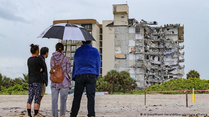 Ascienden a nueve los muertos en colapso de edificio en Miami