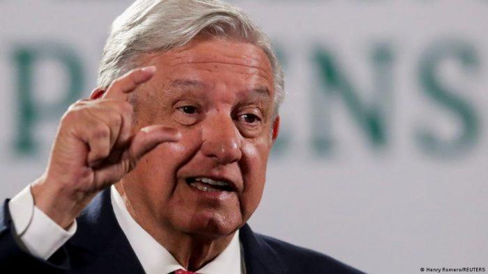México: López Obrador celebra resultados electorales, pese a caída del oficialismo