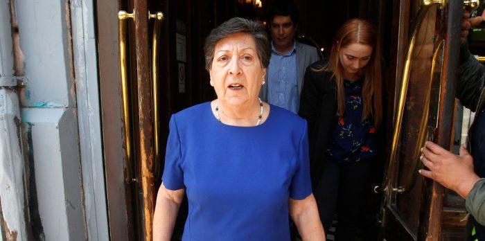 """Carmen Frei denuncia campaña de """"agresión y mentiras"""" contra Orrego y asegura se ha instalado """"una lógica del todo vale"""""""