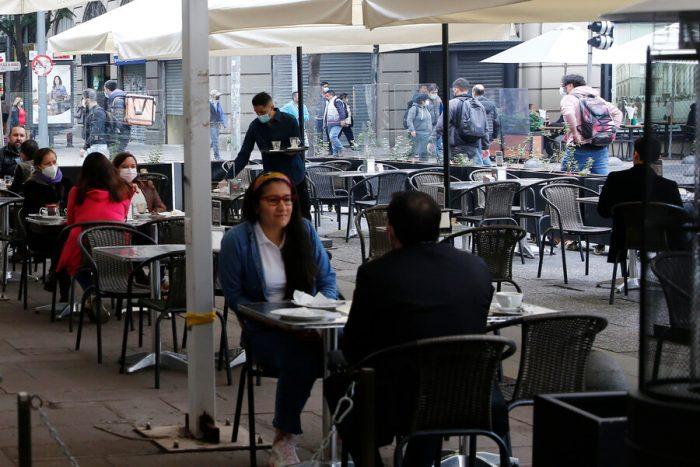 Diputado Urrutia (UDI) solicita al Minsal permitir a restaurantes reabrir en Fase 1 y Fase 2 los fines de semana
