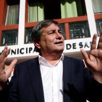 Aguilera a dos bandas: anuncia que apelará a repetición parcial de elecciones en San Ramón y tribunal rechaza cautela de garantía en investigación por corrupción
