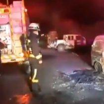 Ataque incendiario en La Araucanía terminó con dos camionetas quemadas
