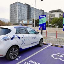 Inauguran primeros puntos de carga para vehículos eléctricos de acceso público en el rubro automotriz