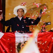 Diferencia irremontable: Castillo lidera las elecciones peruanas con el 100% de las actas procesadas