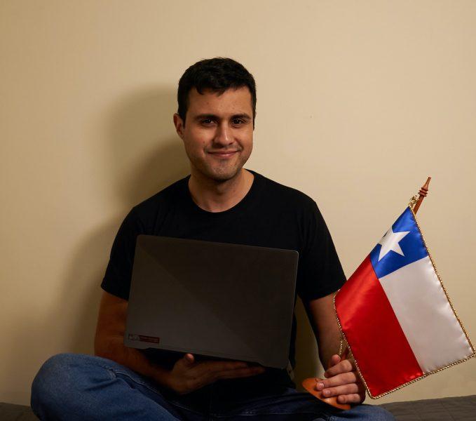 Nicolás Contreras, el joven chileno que revoluciona el aprendizaje del idioma inglés en Chile