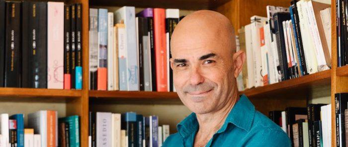 """Eduardo Sacheri y su nuevo libro: """"Los juegos y los deportes nos ponen en contacto con cosas muy profundas, muy íntimas de las personas"""""""