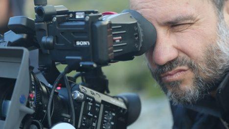 """Sebastián Moreno, director del documental sobre Sergio Larraín"""": """"él es nuestro Premio Nobel de fotografía"""":"""