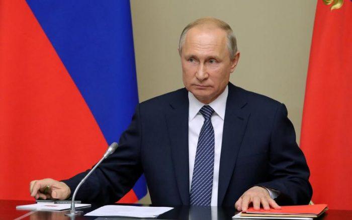 Putin descarta que Rusia esté en medio de una guerra informática contra EE.UU.