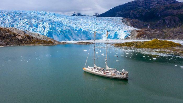 Velero científico TARA se despide de las costas chilenas para seguir investigando sobre cambio climático