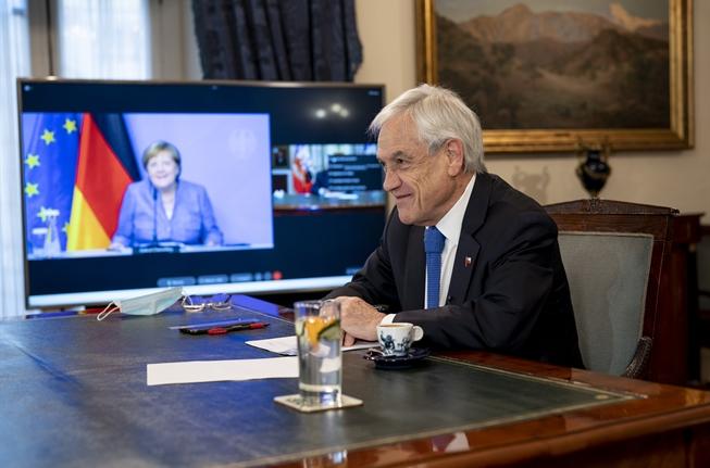 Pandemia, acuerdo comercial con la UE e hidrógeno verde: los temas de la videoconferencia del Presidente Piñera con la canciller Merkel