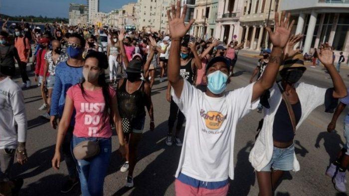 Cuba quita aranceles y límites a la importación privada de comida y medicinas tras masivas protestas