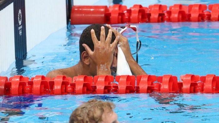 Juegos Olímpicos de Tokio: Ahmed Hafnaoui, el desconocido y joven nadador que impresionó al mundo al ganarse la medalla de oro