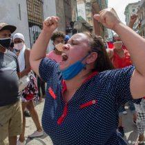 Se extienden protestas en Cuba durante la noche: denuncian disparos a manifestantes y reportan saqueos a tiendas