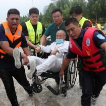 Inundaciones en China dejan casi 100 muertos