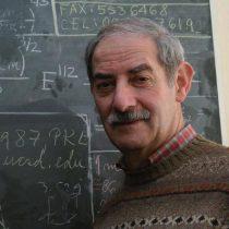 """Físico cuántico Miguel Kiwi: """"Ayer me dijeron que si tenía más de 75, tenía que llevar el certificado de un psiquiatra"""""""