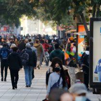 Desempleo en el Gran Santiago cae a su menor nivel desde el inicio de la pandemia, pero población inactiva sigue al alza