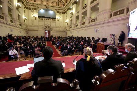 Entre moralización y economicismo: la Convención tensionada