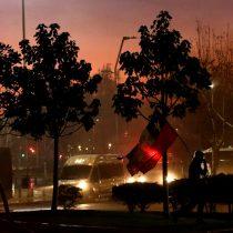 Locales arrasados en Lastarria deja nueva jornada de vandalismo tras manifestaciones por presos del estallido en Santiago