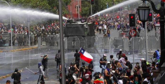 Pensador Jorge Millas y máscaras de violencia y la frágil lucidez
