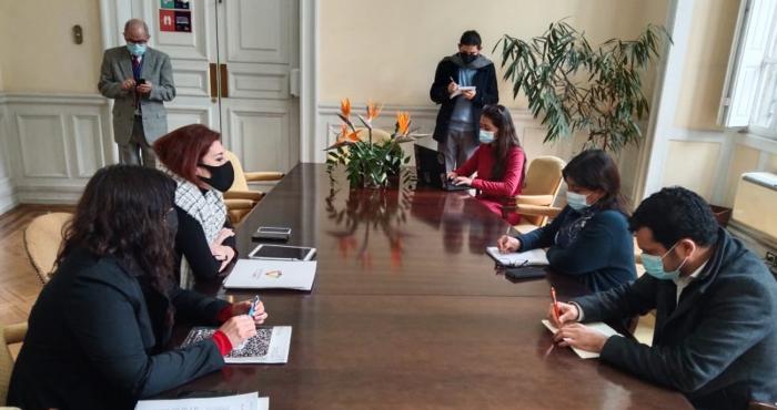 """Defensoría de la Niñez pide garantizar participación de niñas y niños en el proceso constituyente para darle """"estabilidad intergeneracional al pacto"""" social"""