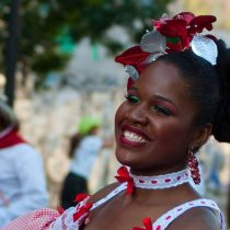 Taller de danza de comunidad colombiana residente