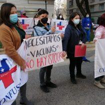 Confusam denuncia agresiones a funcionarios de la salud por escasez de vacunas anticovid