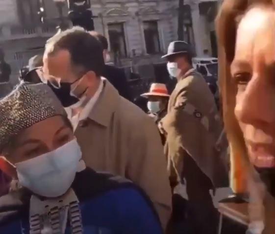 ¿Por qué usted viene a provocar?: El fuerte encontrón entre Elisa Loncon y Teresa Marinovic en el marco de la primera sesión de la Convención Constitucional