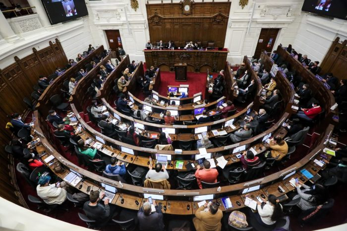 Por amplia mayoría de los 2/3, Convención Constitucional aprueba declaración sobre presos del estallido y demanda al Gobierno y al Congreso apurar Ley de Indulto