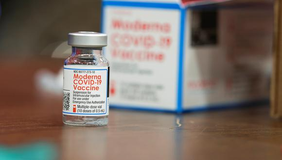 Agencia europea autoriza uso de vacuna de Moderna contra el coronavirus en adolescentes
