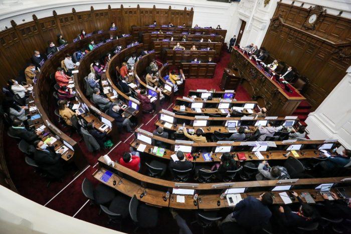 En jornada marcada por los reclamos de la derecha, Convención Constitucional aprueba ampliar la mesa a 9 cupos, incluyendo dos para pueblos originarios