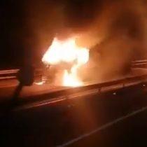 Ercilla: Desconocidos queman cinco camiones forestales en la Ruta 5 Sur