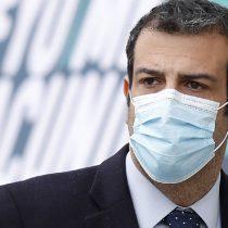 Ministro Delgado acepta renuncia de su jefe de gabinete: es cuñado del padre de menor contagiado con variante Delta