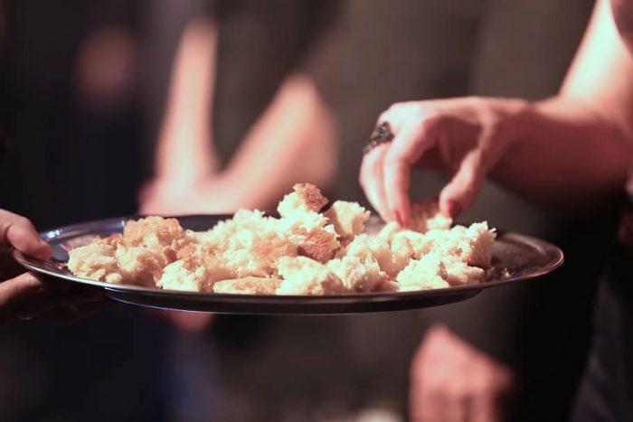 La pandemia ha tenido un fuerte impacto en la alimentación de los chilenos: más del 65% dice que ha comido más por ansiedad